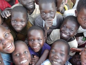 Children in the DRC are happy with the opening of their newly built school